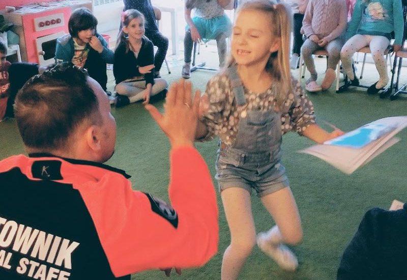 Szkolenie pierwsza pomoc dzieci i młodzież kurs pierwszej pomocy dla dzieci Wrocław