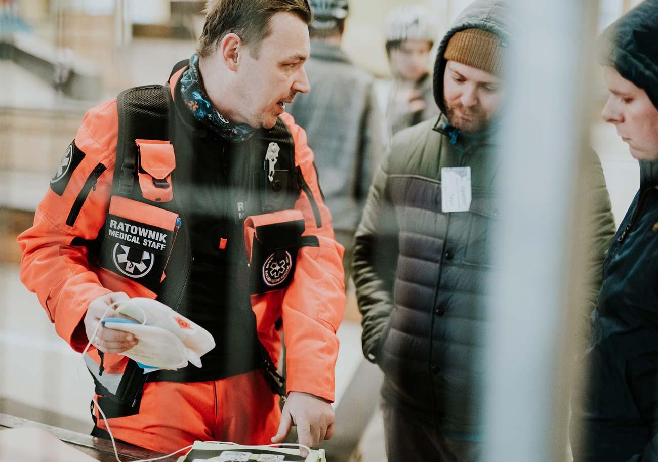 Szkolenie z pierwszej pomocy dla dzieci i młodzieży pokazy i wydarzenia Wrocław kurs pierwszej pomocy Bezpłatny kurs pierwszej pomocy Wrocław