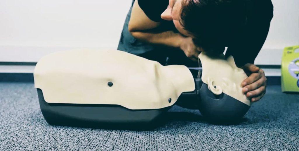 Szkolenie z pierwszej pomocy Wrocław, kurs pierwszej pomocy, resuscytacja krażeniowo-oddechowa