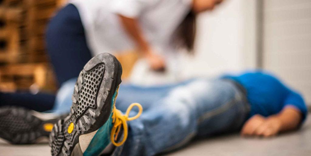 Piersza pomoc w omdleniu. Szkolenie pierwsza pomoc utrata przytomności.
