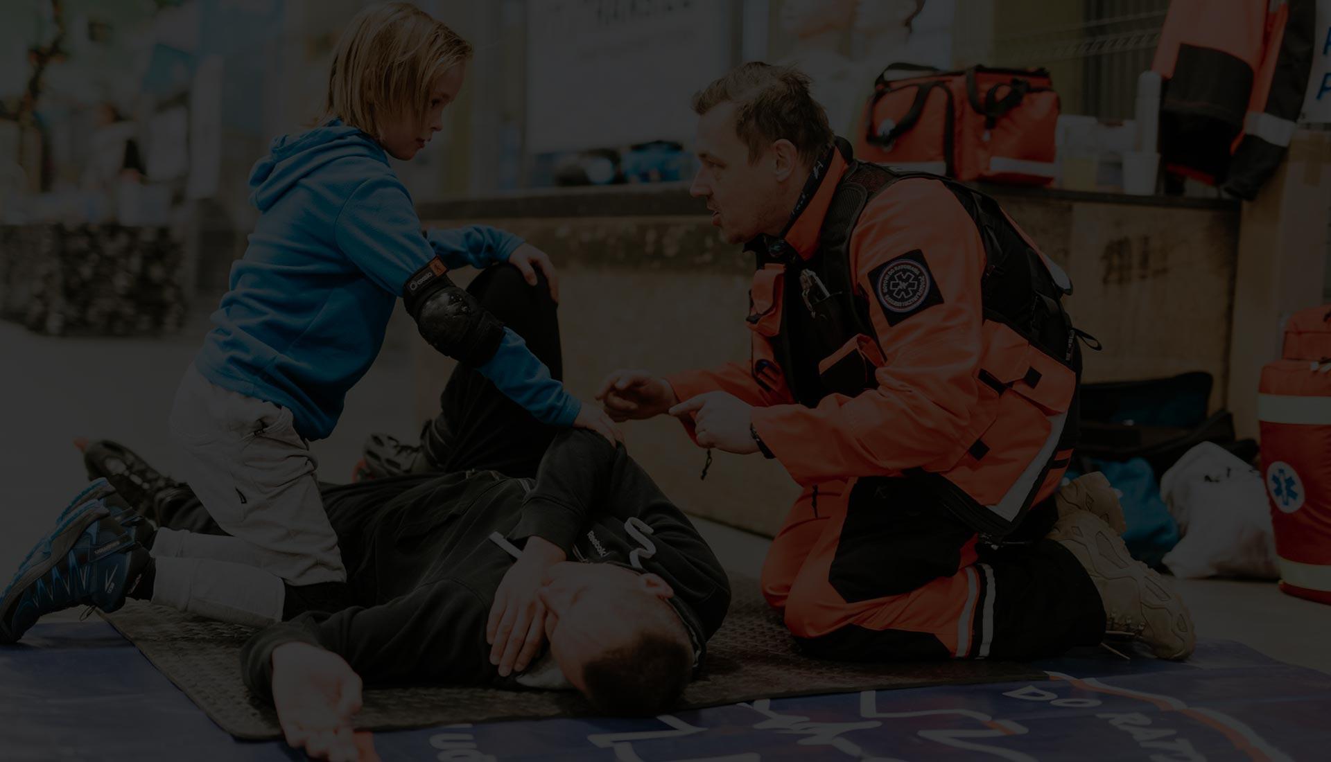 Bezpłatne szkolenia z pierwszej pomocy Wrocław darmowy kurs pierwszej pomocy Wrocław pierwsza pomoc szkolenie dzieci i młodzieży