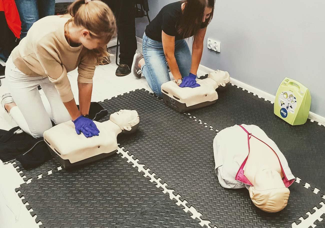 Szkolenie z pierwszej pomocy dla pracowników firmy. Kurs pierwszej pomocy w firmie Wrocław. Szkolenie z pierwszej pomocy dla firm Wrocław.