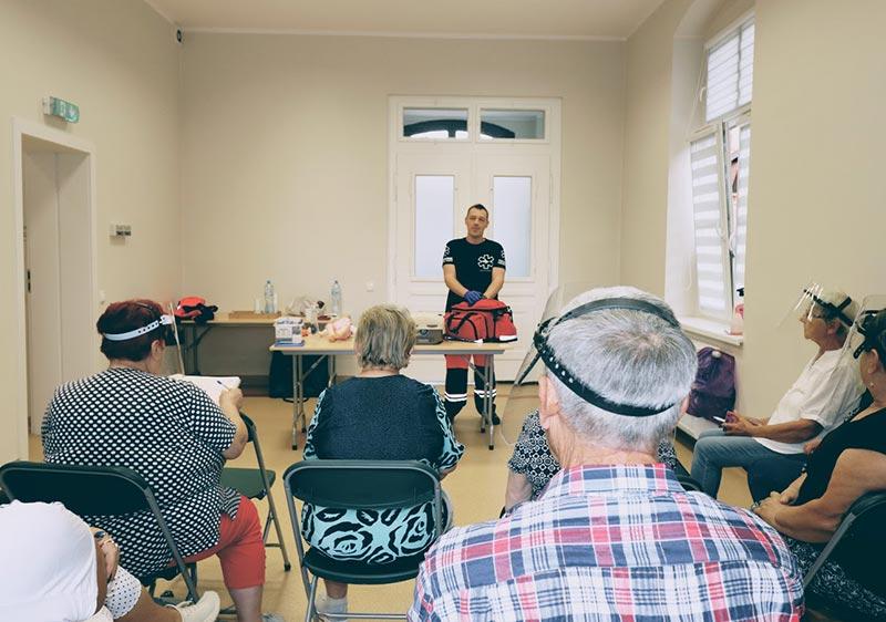 Szkolenie z pierwszej pomocy dla Seniora. Kurs pierwszej pomocy Senior. Wrocław szkolenie pierwsza pomoc, kurs pierwszej pomocy we Wrocławiu.