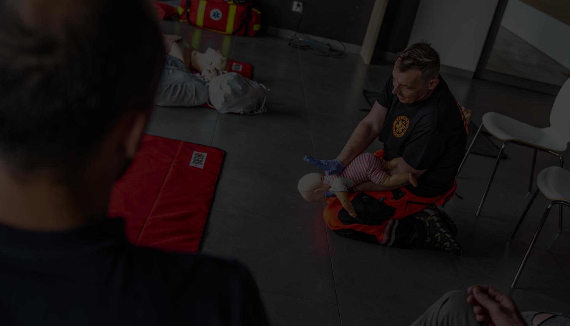 Szkolenie kurs pierwszej pomocy pediatrycznej. Kurs pierwszej pomocy dla rodziców Wrocław. Szkolenie z pierwszej pomocy dzieciom Wrocław.